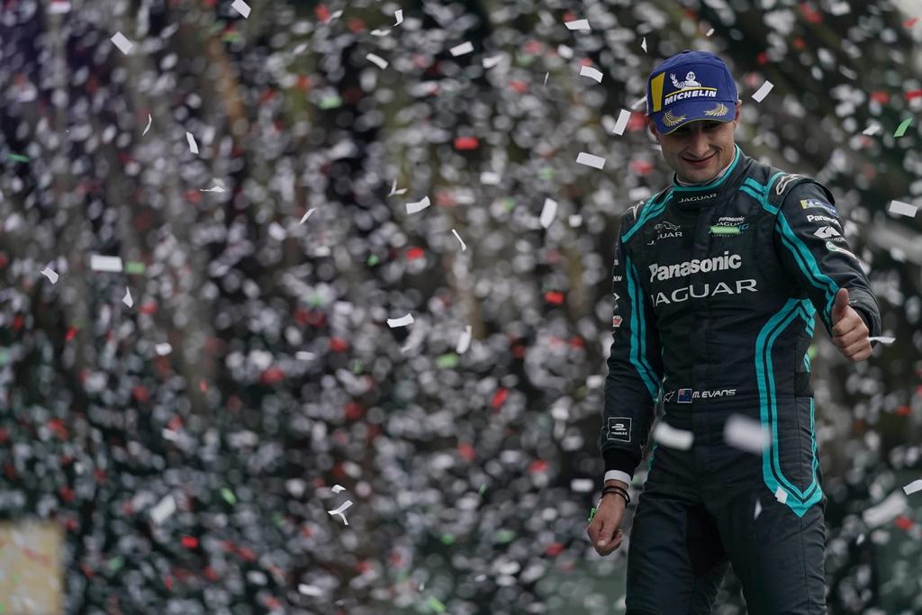Mitch Evans (NZL), Panasonic Jaguar Racing, 1st position, celebrates on the podium