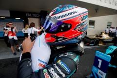 Mitch Evans (NZL), Panasonic Jaguar Racing, celebrates with the team after winning the race