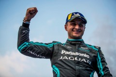 Race winner Mitch Evans (NZL), Panasonic Jaguar Racing celebrates on the podium