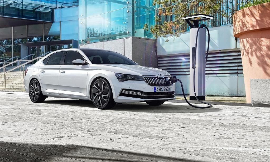 skoda_superb_iV_electric_motor_news_03