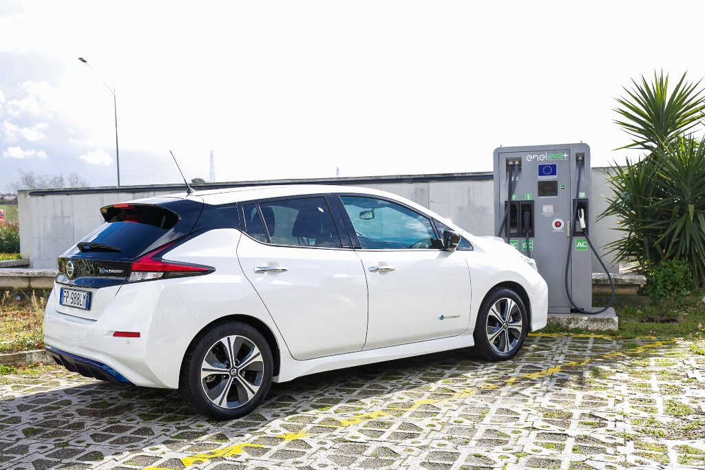 Nissan_LEAF_EVA_electric_motor_news_03