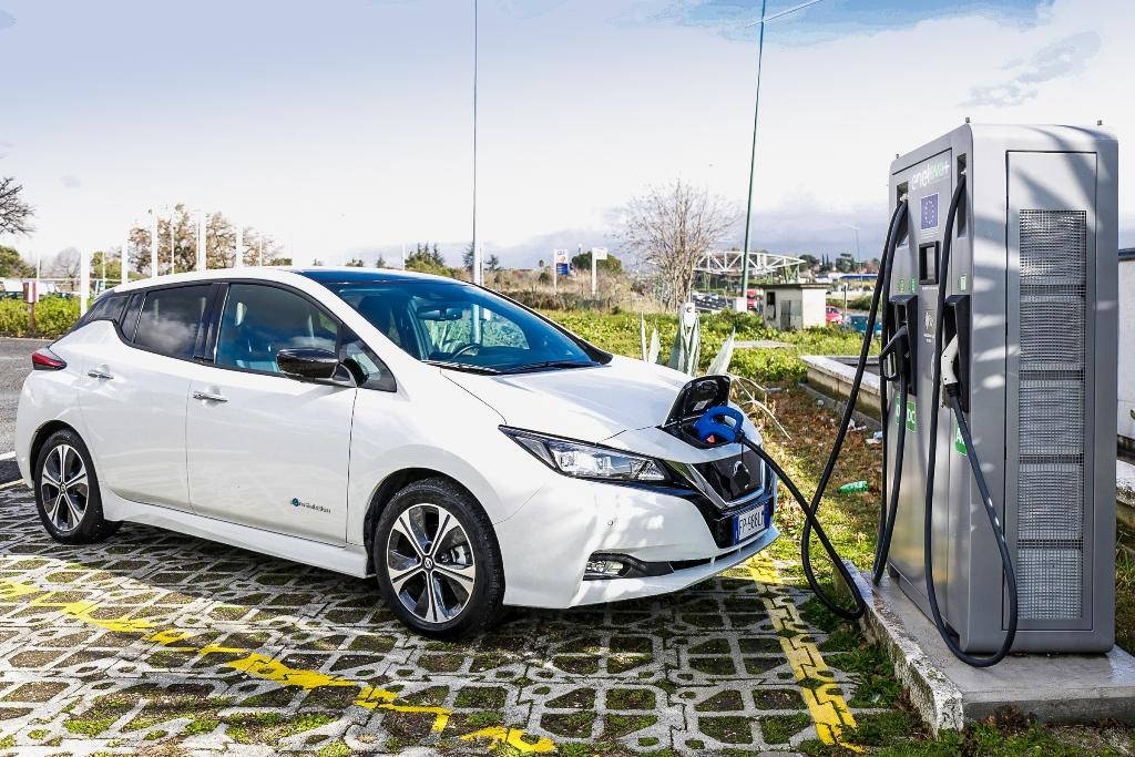 Nissan_LEAF_EVA_electric_motor_news_04