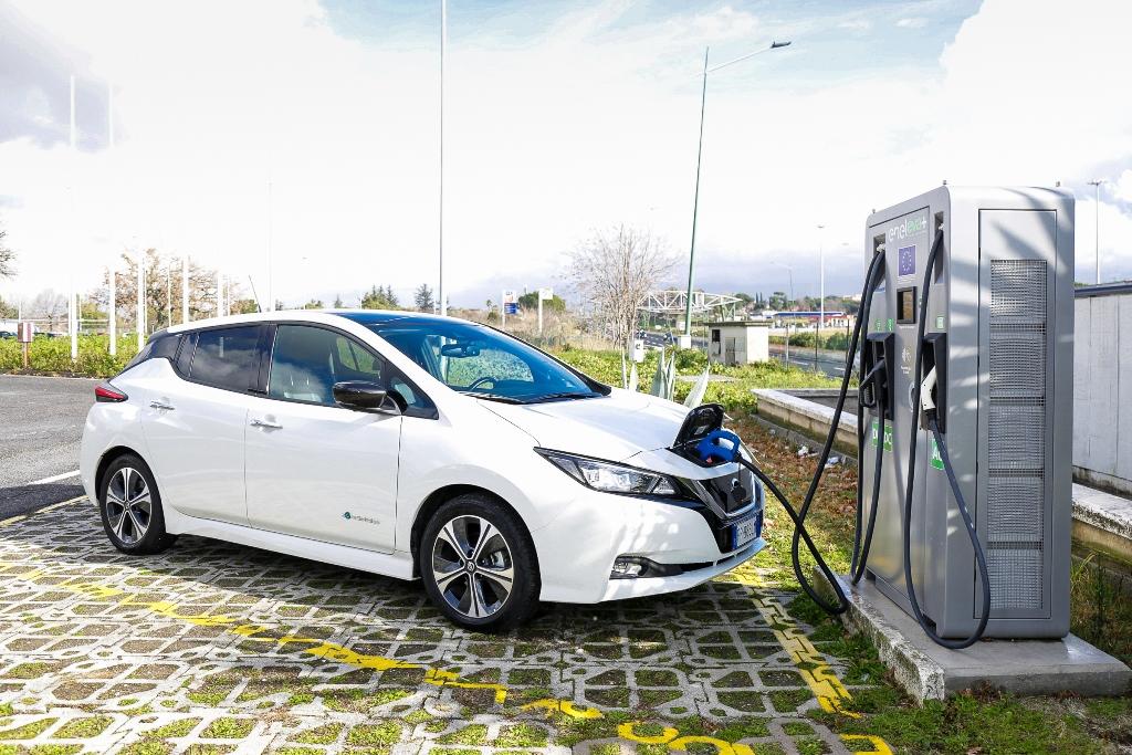 Nissan_LEAF_EVA_electric_motor_news_05