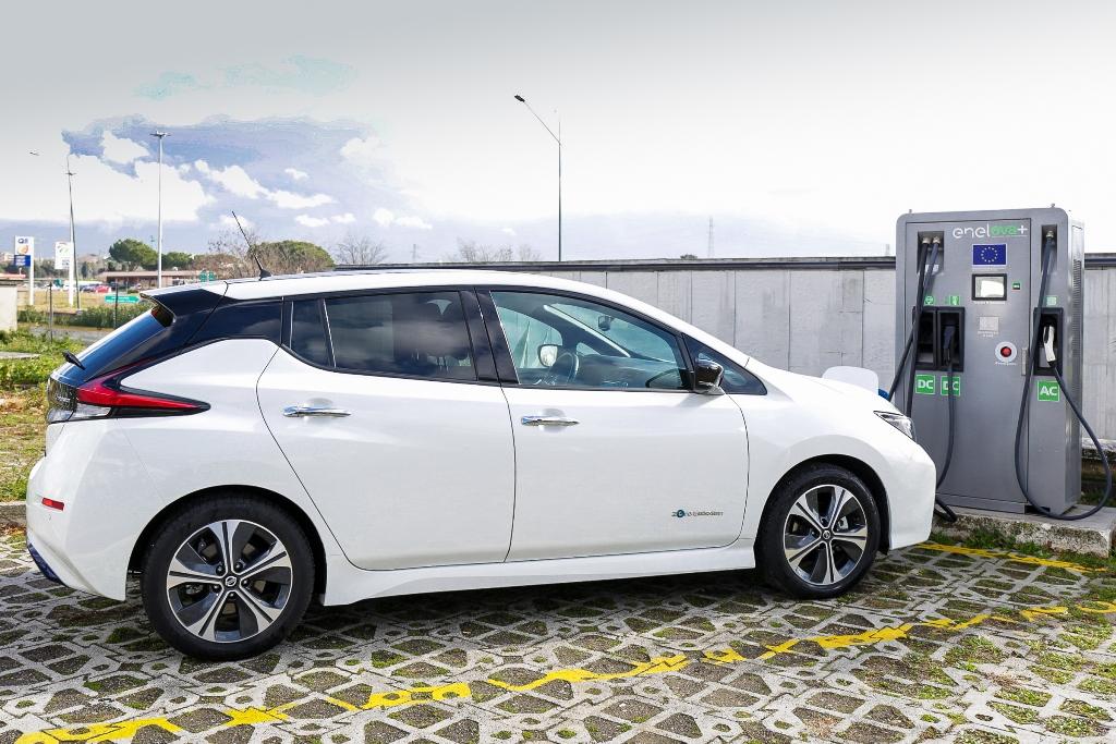 Nissan_LEAF_EVA_electric_motor_news_06