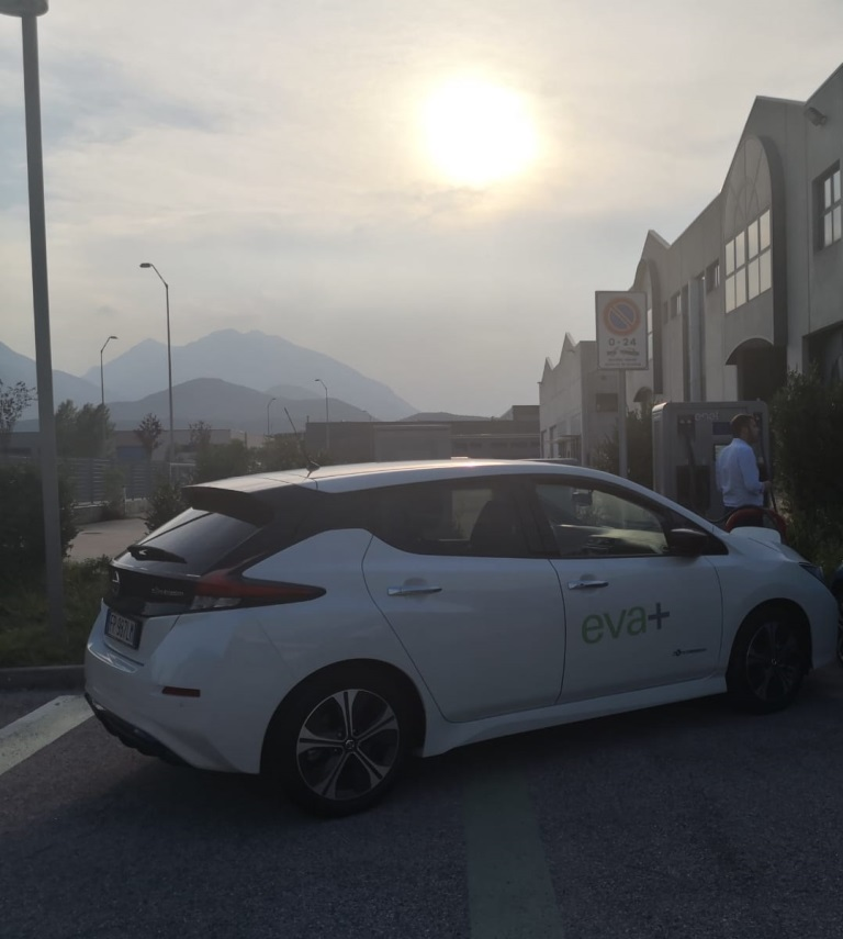 Nissan_LEAF_EVA_electric_motor_news_12
