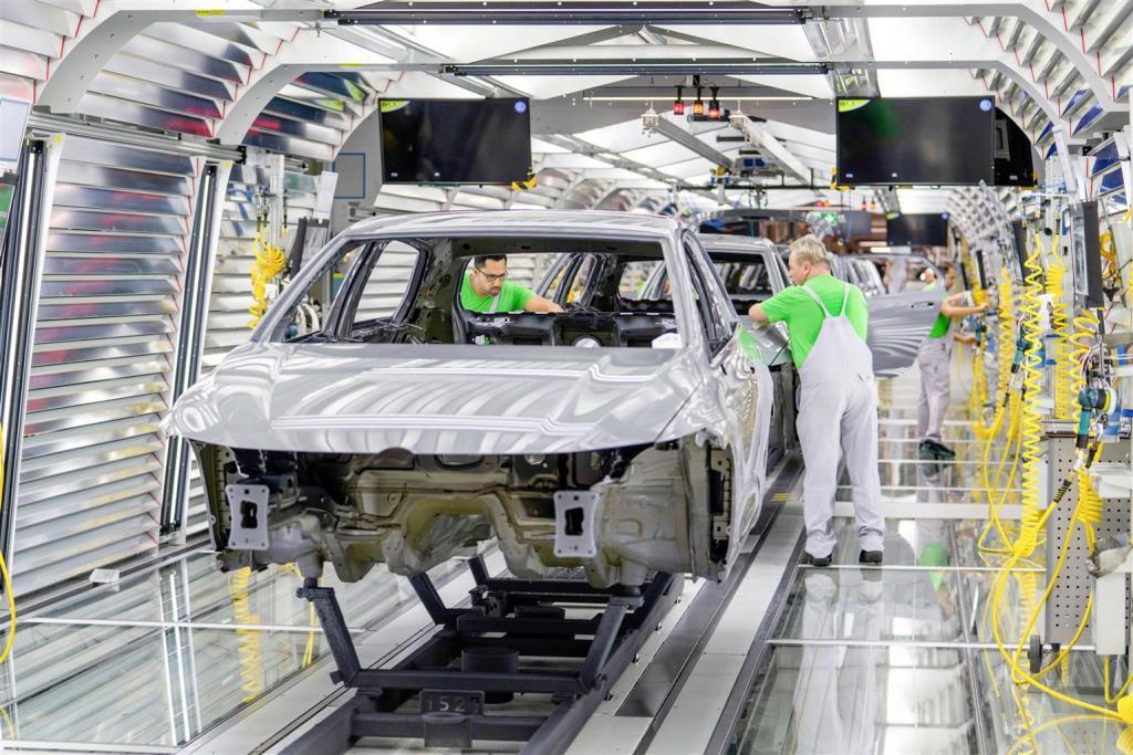 volkswagen_carbon_fund_electric_motor_news_01