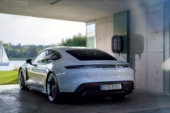 porsche_charging_solutions_electric_motor_news_01