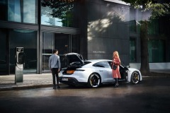 porsche_charging_solutions_electric_motor_news_03