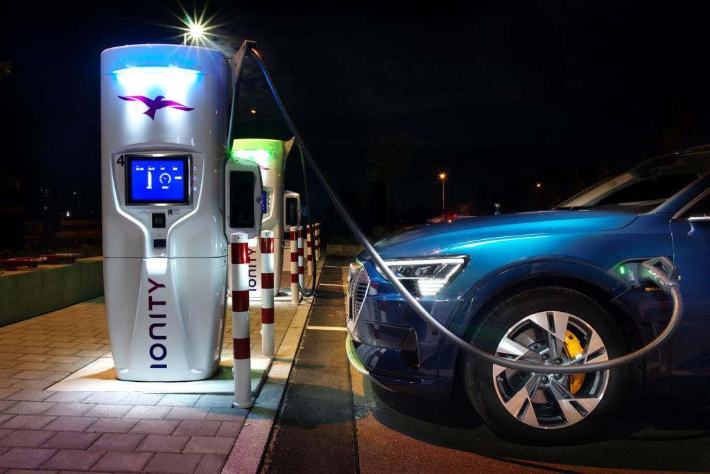 audi_e-tron_55_quattro_electric_motor_news_06