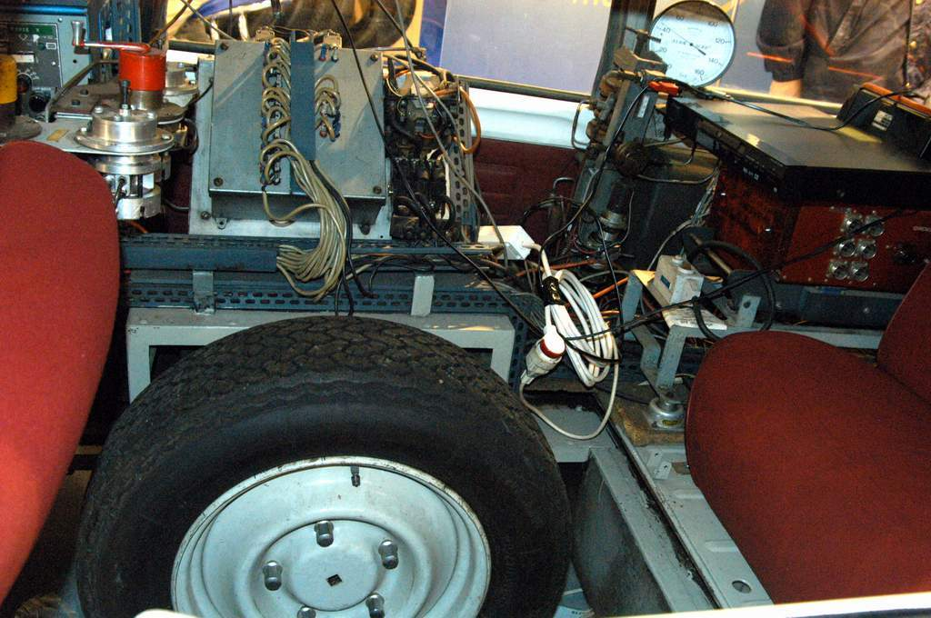 la-ID21-Break-per-i-test-autostradali-Michelin-lo-pneumatico-in-fase-di-collaudo