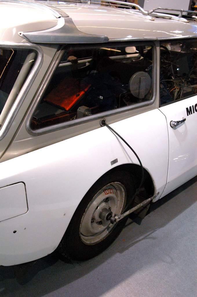 la-ID21-Break-per-i-test-autostradali-Michelin-sensore-velocita-assoluta-veicolo