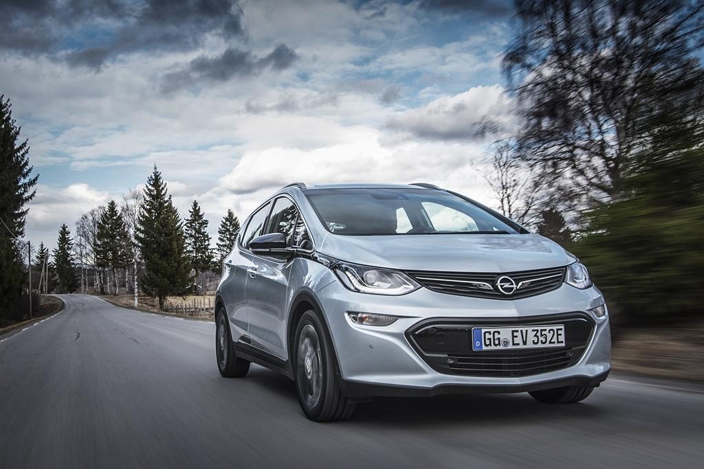 2016-Opel-Ampera-e-299561