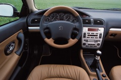6-PEUGEOT-406-COUPE-2001