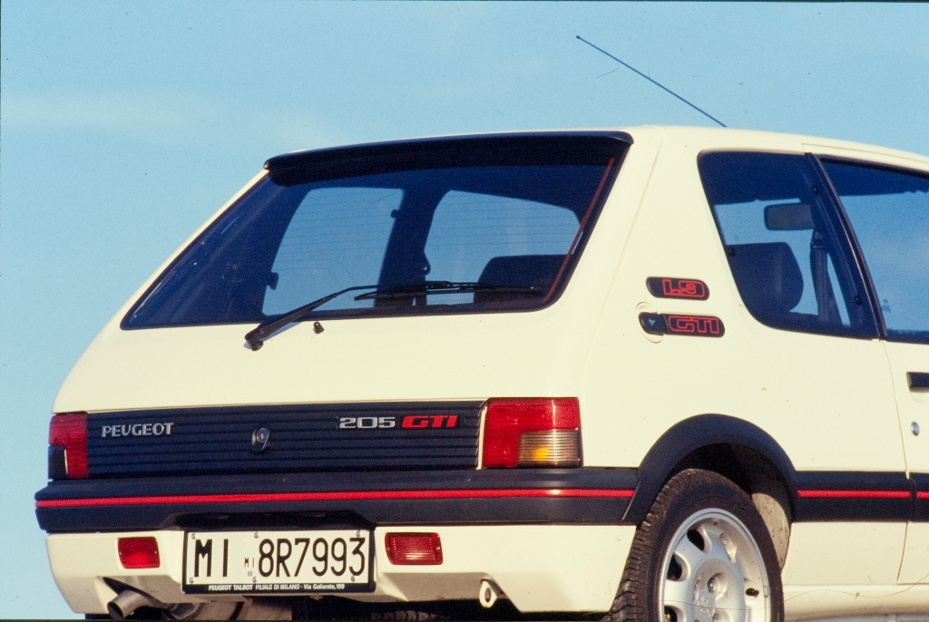 PEUGEOT-205-GTI-1.9-1990-6
