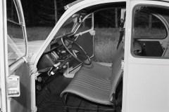 La-semplice-armatura-metallica-dei-sedili-disegnati-da-Flaminio-Bertoni-per-la-2CV-nel-1948-foto-del-1974