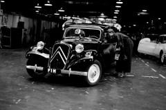 Lultima-Traction-lascia-la-fabbrica-Citroen-1957