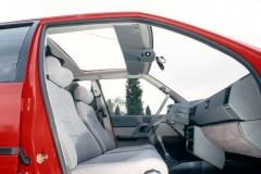 Sedili-anteriori-di-una-BX-16TRS-del-1983-comfort-e-design.