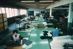 Un-reparto-di-tappezzeria-nella-fabbrica-Citroen-1969