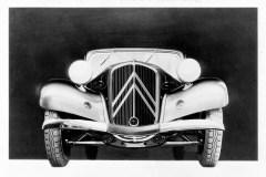 Una-delle-prime-foto-della-celebre-calandra-della-Traction-Avant-1934