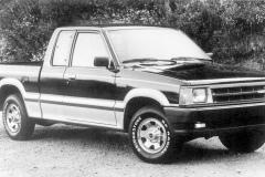 B_2000_Cab_Plus_LX_Pickup_1985_hires_hires