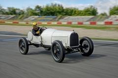 09-Jockel-Winkelhock-im-Opel-Grand-Prix-Rennwagen-von-1913-512484