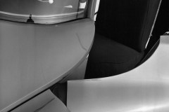 Un-dettaglio-del-sottile-montante-anteriore