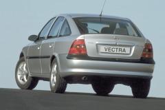 02-Opel-Vectra-B-13013