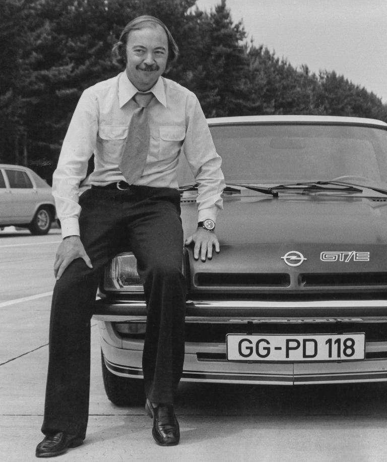 11-Opel-Manta-George-Gallion-299804