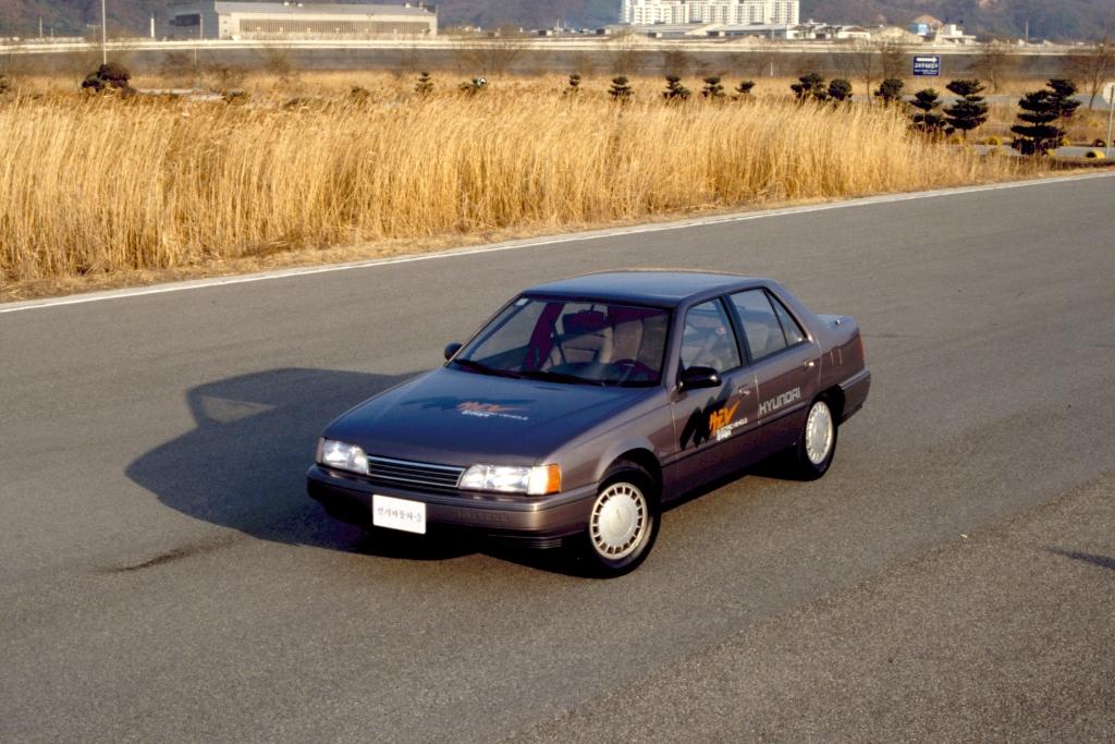 Hyundai_EV3_Sonata_1