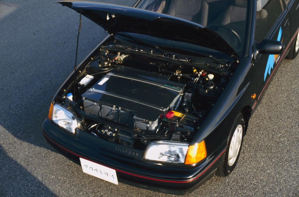Hyundai_EV4_Scoupe_2