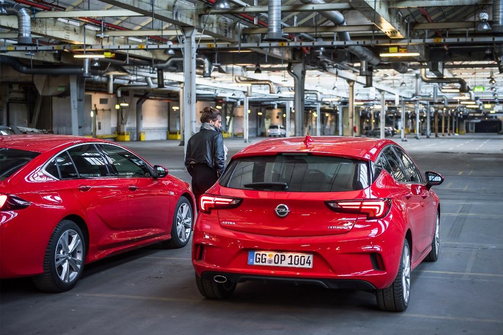 Opel-Insignia-GSi-Opel-Astra-507848