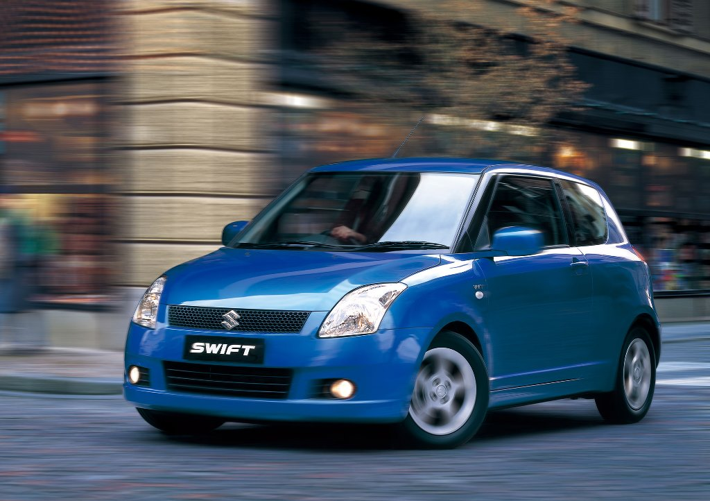 AUTO_2004-The-First-Generation-Swift-Appears-3
