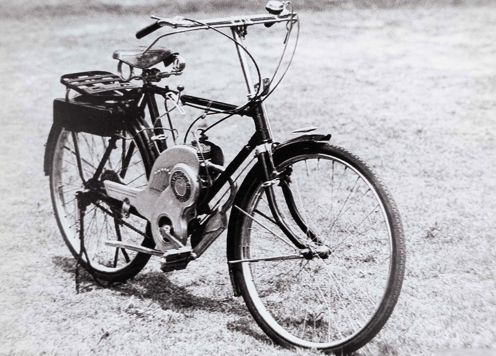 CORPORATE_1952-The-Birth-of-the-First-Motorised-Bicycle-Power-Free-1