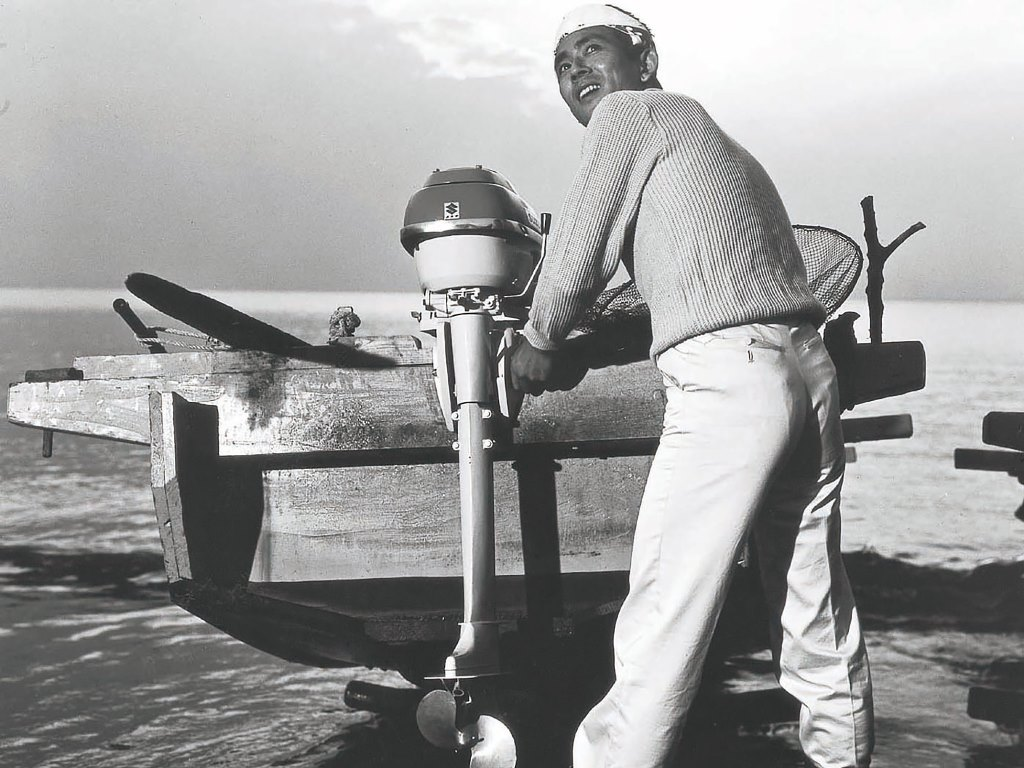 MARINE_1965-Moving-into-the-Outboard-Motor-Business-First-Model-Goes-on-Sale-3