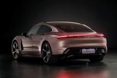 porsche_taycan_mercato_cinese_electric_motor_news_03