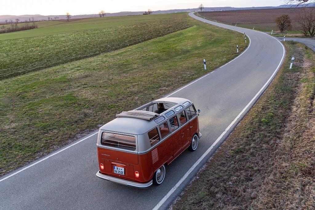 volkswagen_e-BULLI_concept_electric_motor_news_06