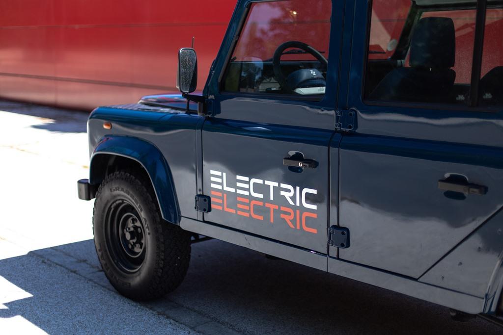 Tazzari-EV-Electric-Defender-2020_11