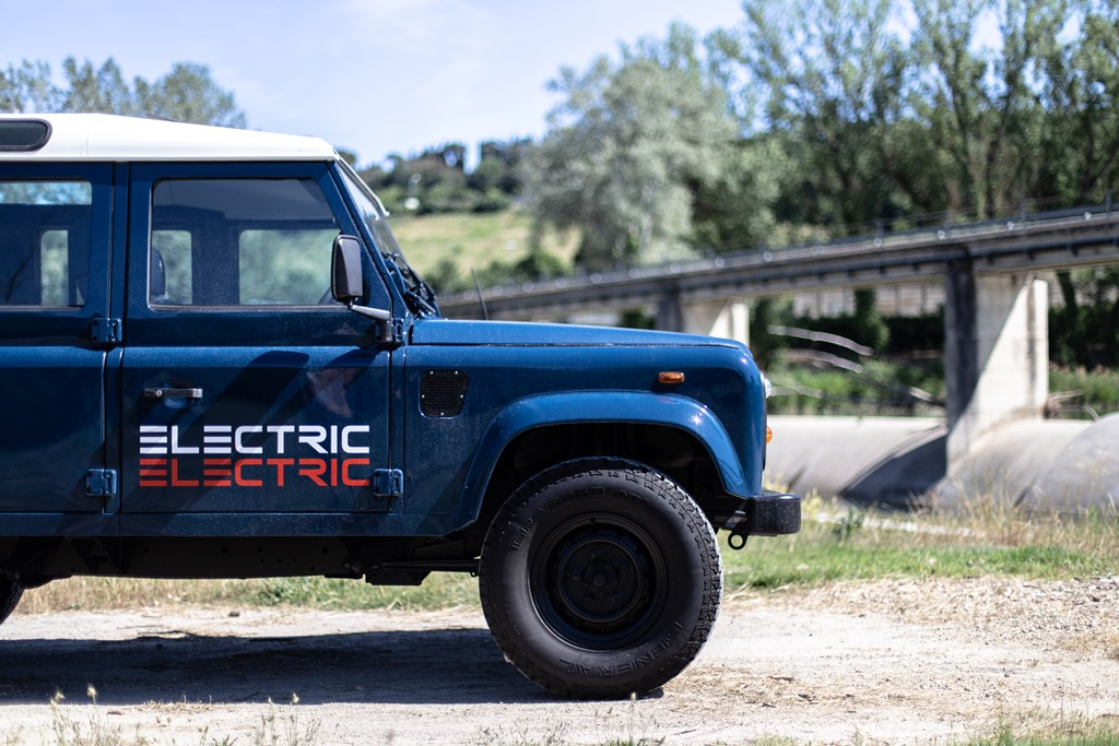 Tazzari-EV-Electric-Defender-2020_15