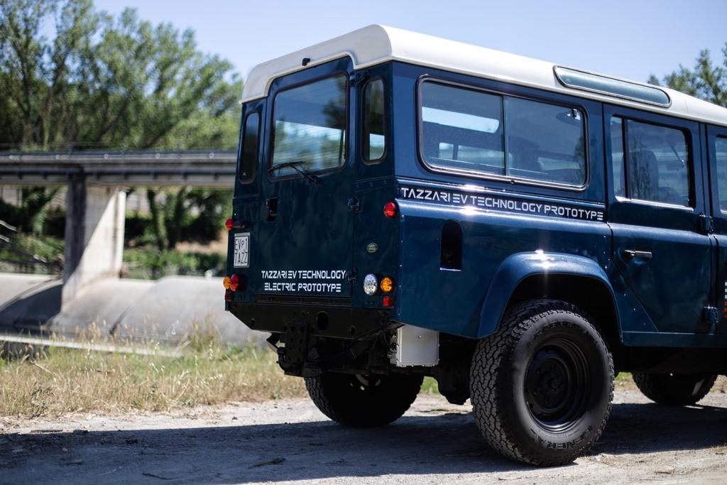 Tazzari-EV-Electric-Defender-2020_17