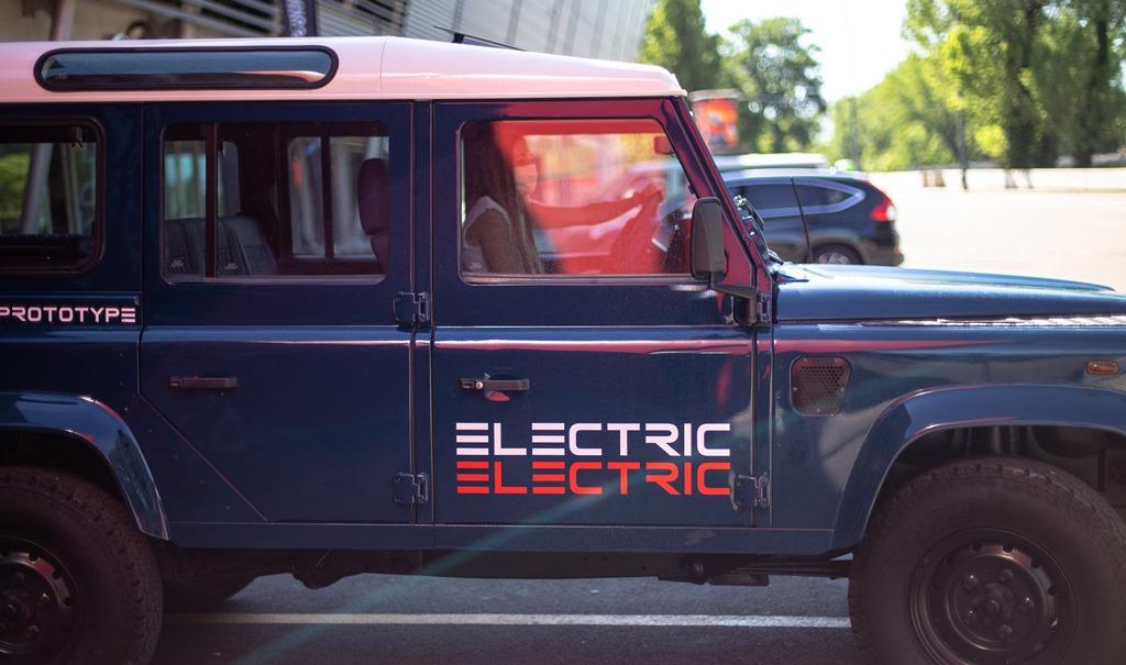 Tazzari-EV-Electric-Defender-2020_25