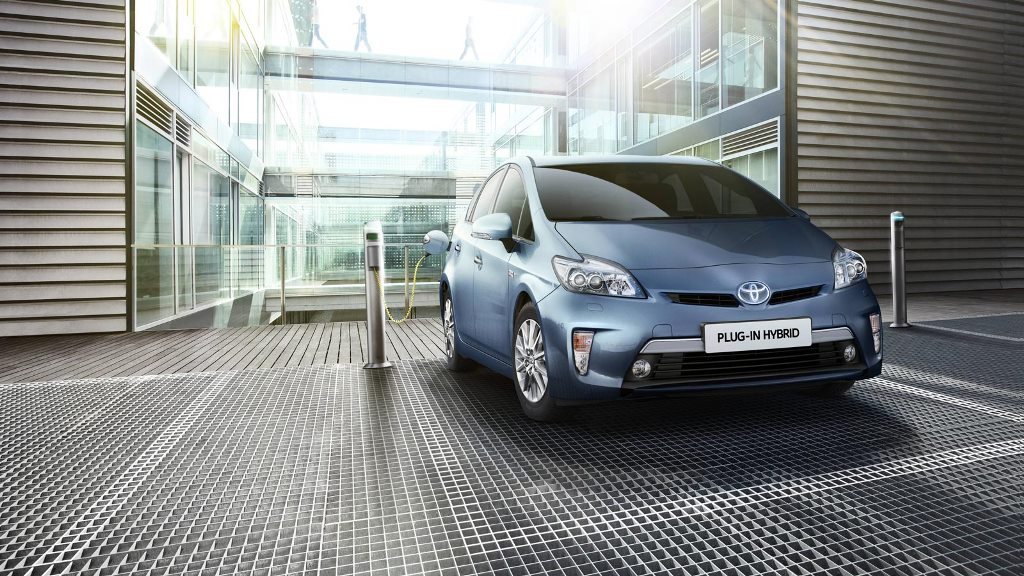 toyota_plug_in_electric_motor_news_02