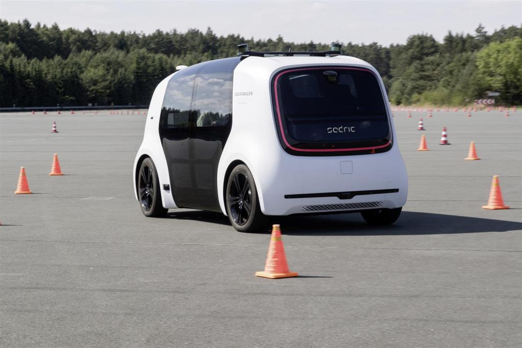 volkswagen_sedric_future_mobility_day_electric_motor_news_03