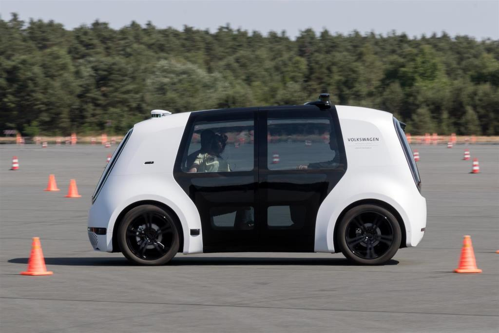volkswagen_sedric_future_mobility_day_electric_motor_news_04