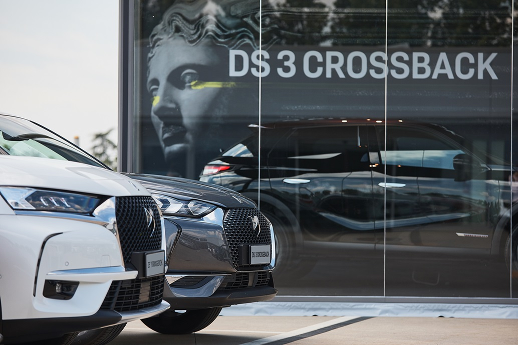 DS-3-CROSSBACK_CONCEPT-STORE