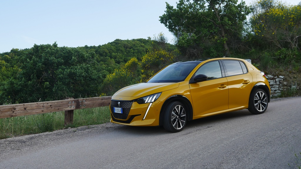nuova_peugeot_208_electric_motor_news_01
