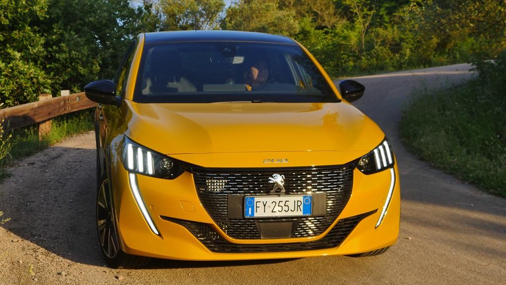 nuova_peugeot_208_electric_motor_news_02