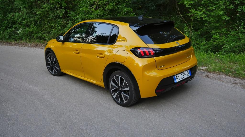 nuova_peugeot_208_electric_motor_news_07