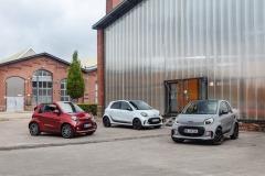 Die neue Generation: smart EQ fortwo coupé (Stromverbrauch kombiniert 16,5 – 14,0 kWh/100km, CO2-Emissionen kombiniert: 0 g/km), smart EQ fortwo cabrio (Stromverbrauch kombiniert 16,8 – 14,2 kWh/100km, CO2-Emissionen kombiniert: 0 g/km) und smart EQ forfour (Stromverbrauch kombiniert 17,3 – 14,6 kWh/100km, CO2-Emissionen kombiniert: 0 g/km)  / smart zeigt auf der IAA 2019 in Frankfurt seine optisch und digital komplett überarbeiteten fortwo- und forfour-Modelle. Progressives Design trifft auf intelligente Vernetzung und ausschließlich batterieelektrische Antriebe. // The new generation: smart EQ fortwo coupé (combined electrical consumption 16.5 – 14.0 kWh/100km, combined CO2 emissions: 0 g/km), smart EQ fortwo cabrio (combined electrical consumption 16..8 – 14.2 kWh/100km, combined CO2 emissions: 0 g/km) and smart EQ forfour (combined electrical consumption 17.3 – 14.6 kWh/100km, combined CO2 emissions: 0 g/km) / smart is presenting its completely visually and digitally revised fortwo and forfour models at the 2019 International Motor Show in Frankfurt. Progressive design meets intelligent connectivity and solely battery-electric powertrains.