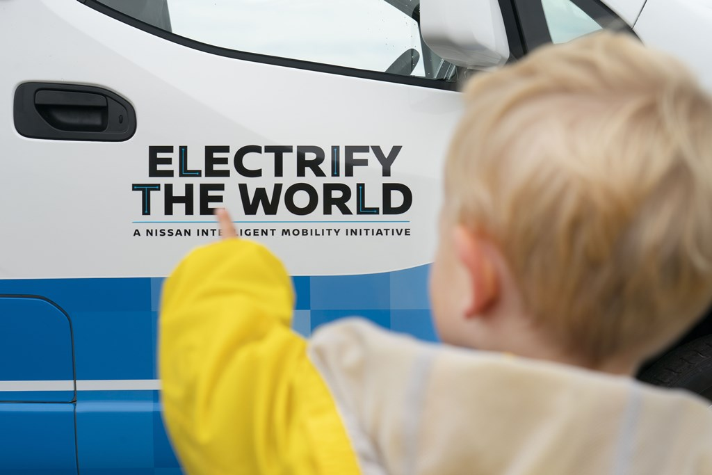 nissan_electric_icecream_van_electric_motor_news_09