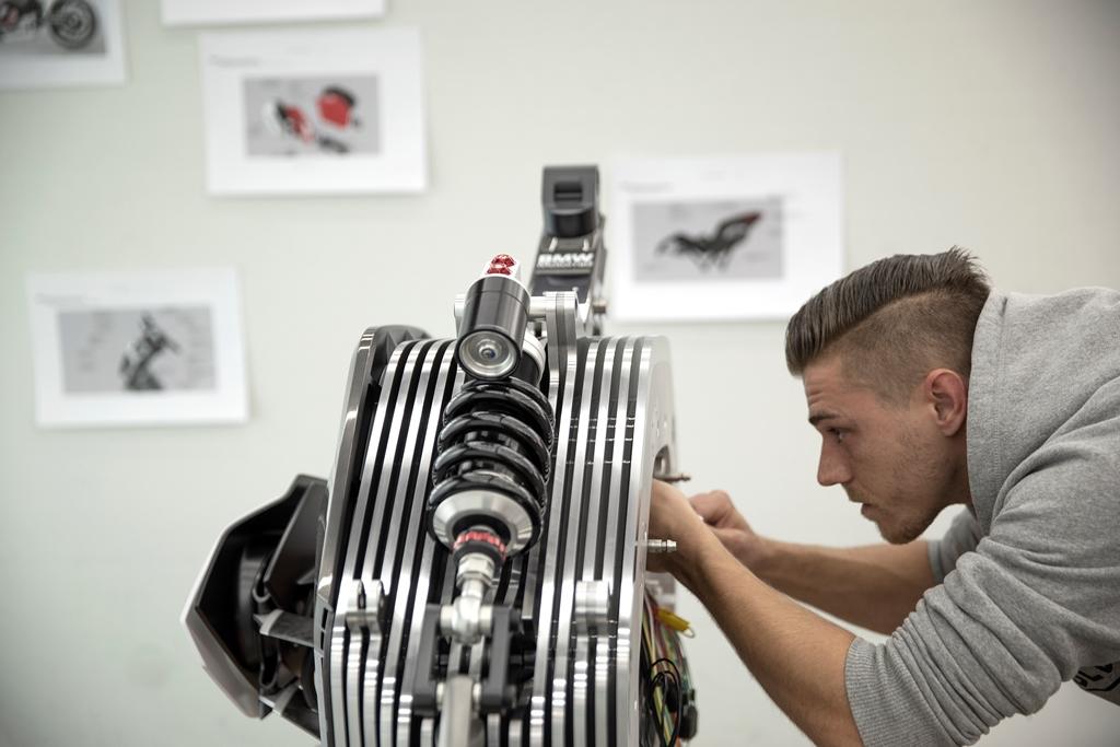 bmw_motorrad_vision_electric_motor_news_21
